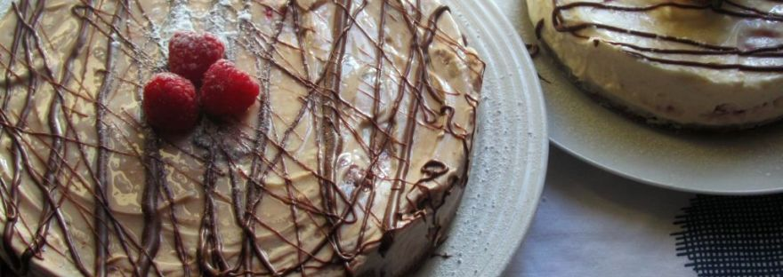 raspberry and chocolate cheesecake